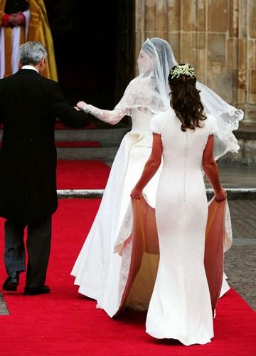 Il Portamento Eleganza nella gestione dell'abito da sposa