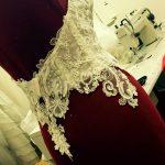 Le scollature negli abiti da sposa 2017, il boom della scollatura profonda sulla schiena.