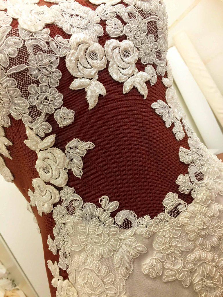 un abito da sposa su misura di alta moda