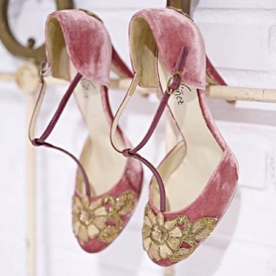 Le scarpe da sposa colorate